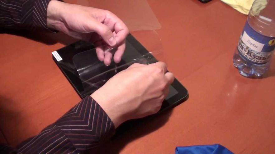 Как сделать плёнку на телефон своими руками