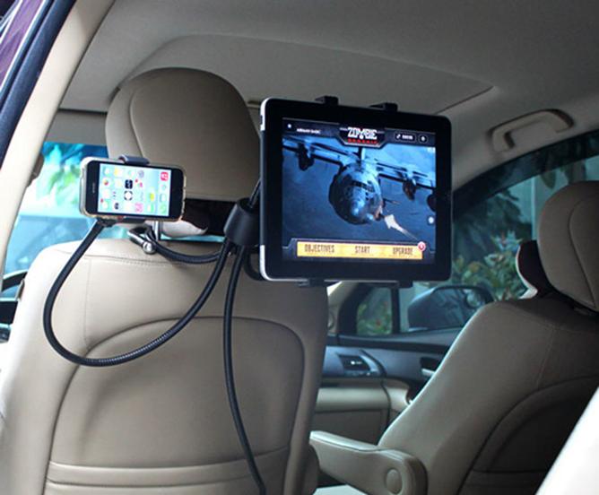Планшет и смартфон на автодержателе