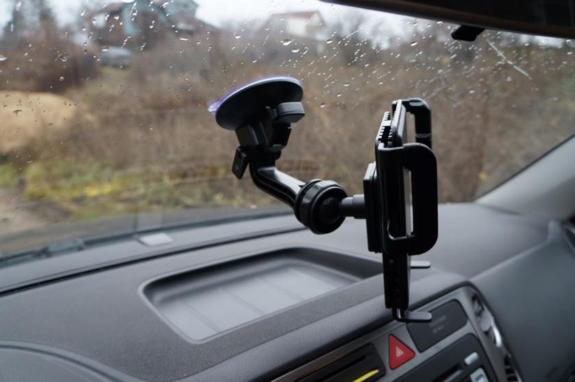 Автодержатель на стекле